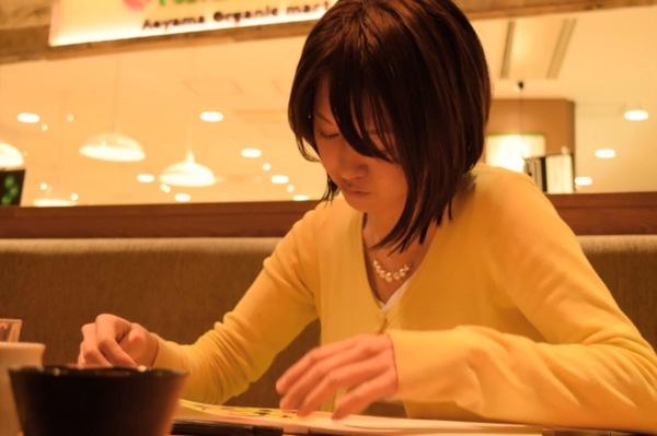 筆文字セラピー様子筆文字筆ペンアートカウンセリングカウンセラー大阪女性